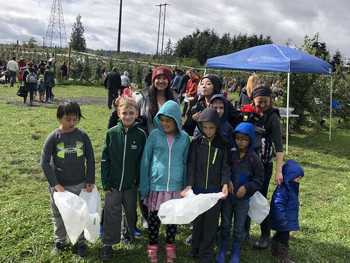 Lower Elementary Goes Apple Picking
